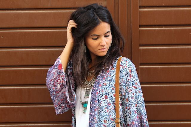 LOOK BOHO CON KIMONO LARGO PULL AND BEAR11