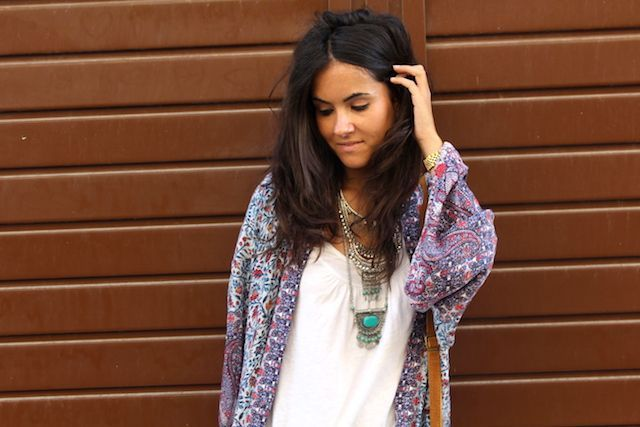 LOOK BOHO CON KIMONO LARGO PULL AND BEAR13