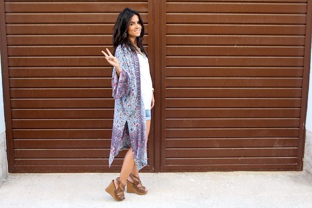 LOOK BOHO CON KIMONO LARGO PULL AND BEAR9