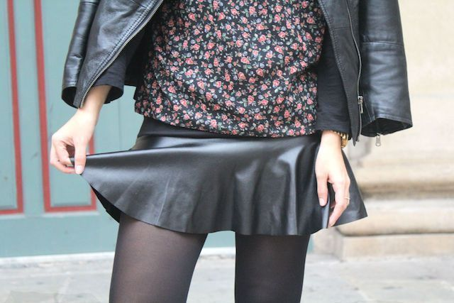 falda polipiel con volante