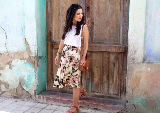 falda con estampado de flores