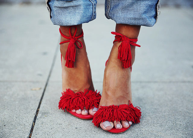 pom-pom-pompones-invitada-boda-blog-estilo-zapatos-tendencias-5