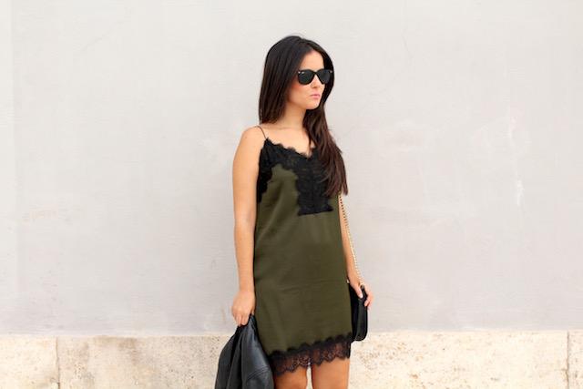 Combinar vestido lencero verde
